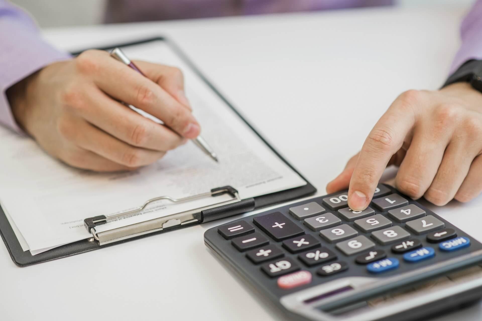 Impuestos que deben pagar los autonomos